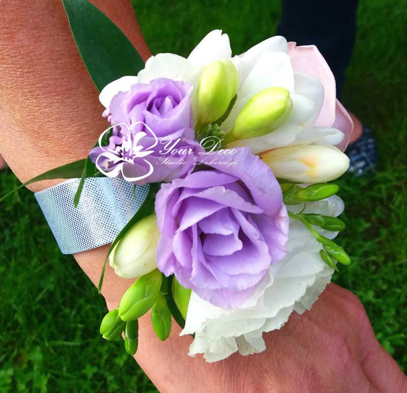 Bransoletka-z-kwiatow
