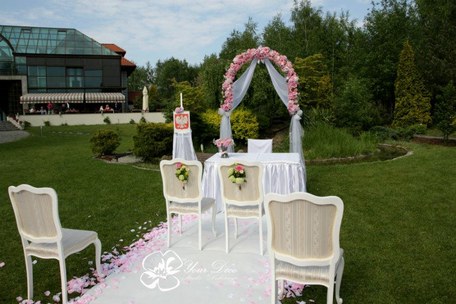 Dekoracja-ślubu-plenerowego (10)