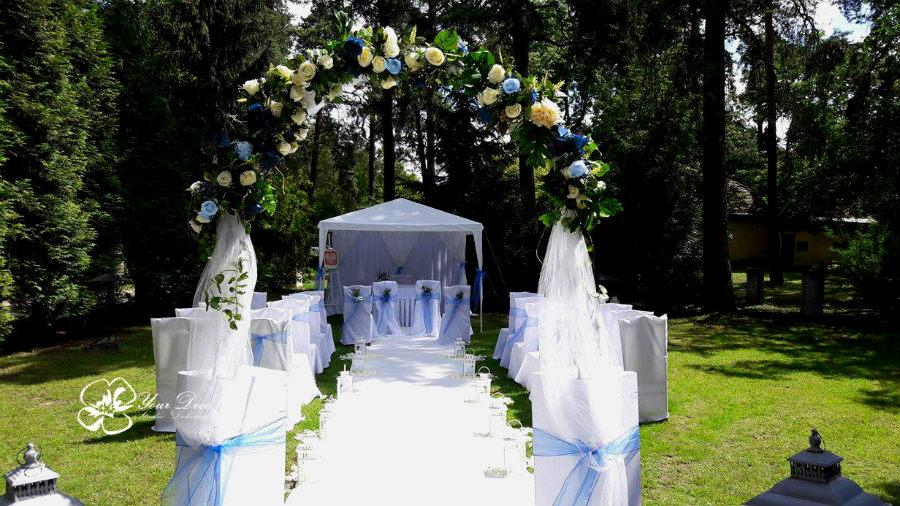 Dekoracja-ślubu-plenerowego (16)